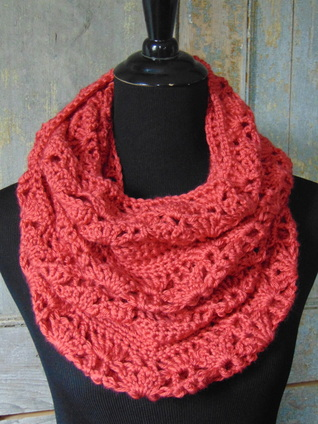 Free Crochet Patterns For Lightweight Scarves : Free Crochet Pattern - Rouge Infinity Scarf