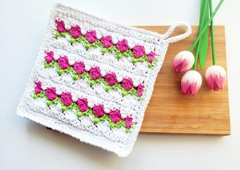 Tulip Stitch Dishcloth from Handmade by Raine